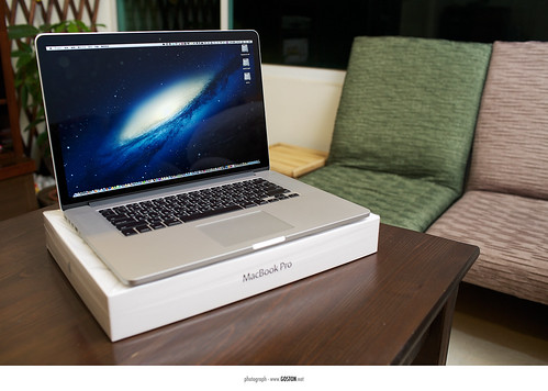 2012.08.08 MacBook Pro with Retina Display | by Goston