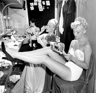 Chorus girls in dressing room backstage at La Scala opera house in Milan, photo by Slim Aarons, November 1948 | by skorver1