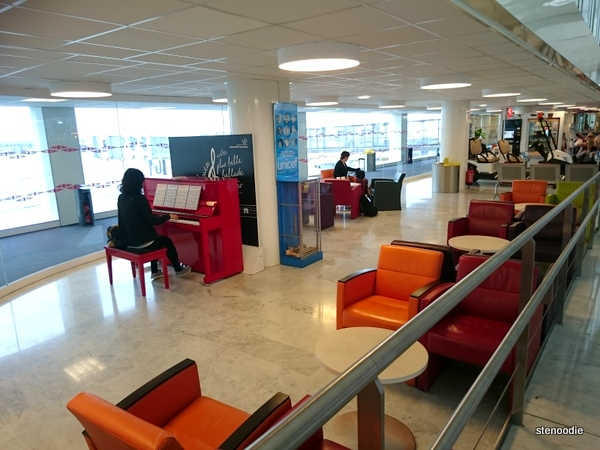 Piano inside Charles de Gaulle airport
