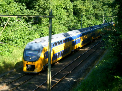 Double-deck EMU heads into Oosterbeek station | by johnzebedee