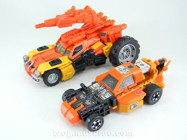Transformers Sandstorm Voyager - Transformers Generations Takara - modo automóvil vs G1