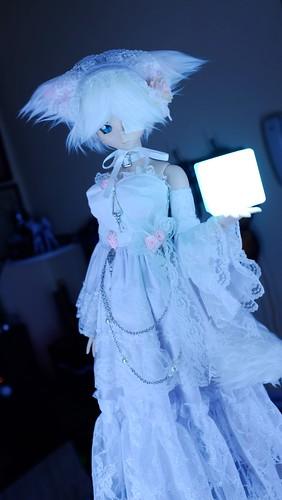 澪:白ドレス