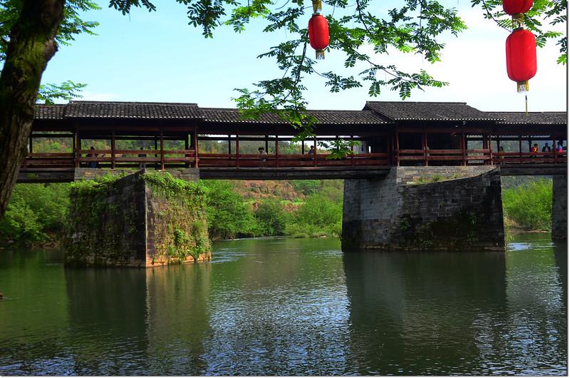 婺源彩虹橋具分水功能的橋墩 1