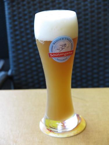 """Weizen von der Brauerei Schützengarten (im Restaurant """"Schwalbennest"""" in Malbun, Liechtenstein)"""