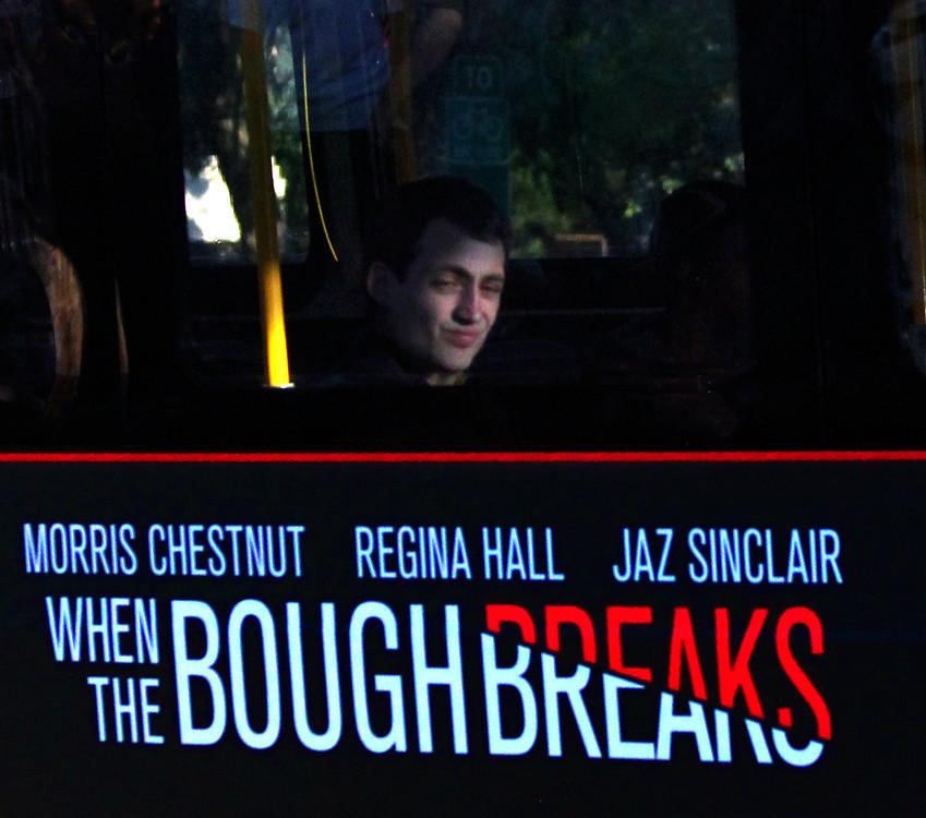 302 Bus