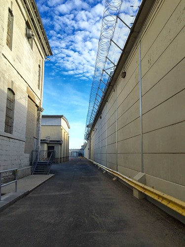 Kingston Pen: the other side of that wall
