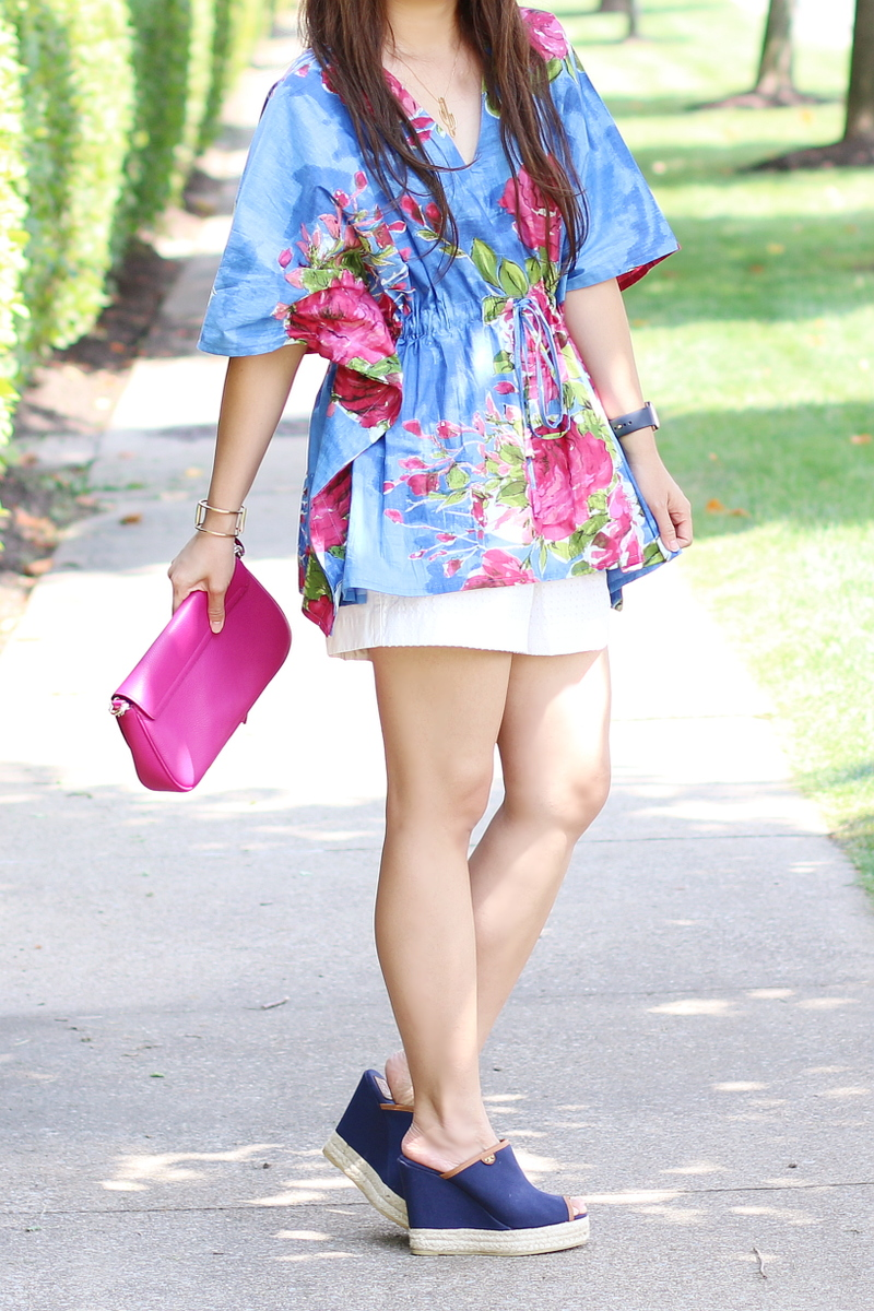 kaftan-floral-blouse-shorts-wedges-4
