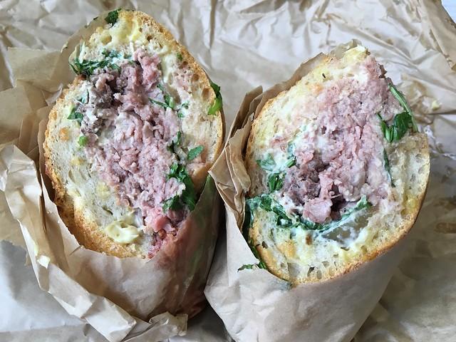 Rare roast beef sandwich - American Eatery