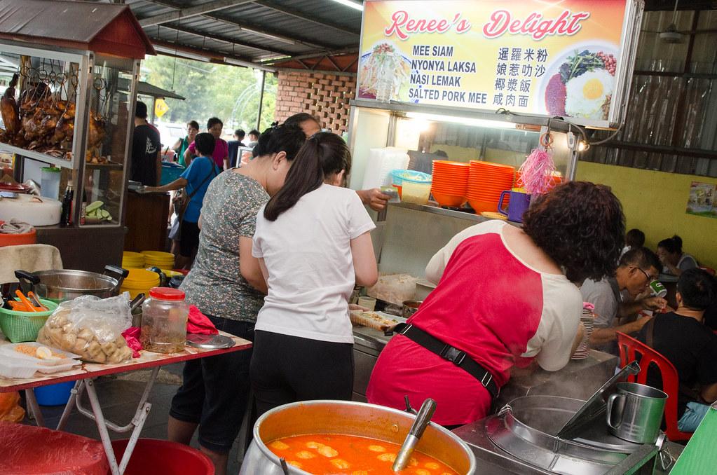 3 chefs at Renee's Delight stall, Kedai Makanan & Minuman Soon Yen