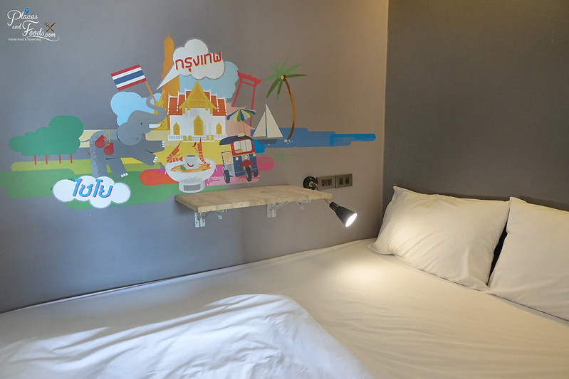 liveituphostel asok private room bed