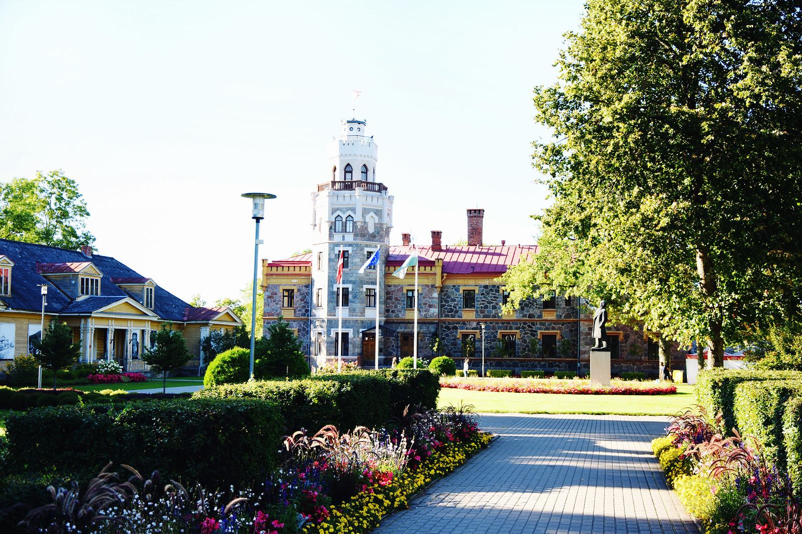 Siguldas Jaunā pils