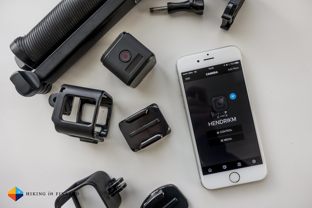 iPhone connected to the GoPro HERO4 Session