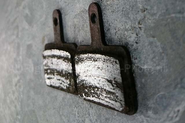 Worn Tektro MTB brake pads