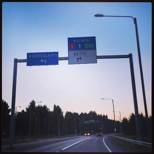 Tänä iltana naisen kaatoon Kajaaniin! #roadtrip #ruohisböönat #hullunhommaa #kohtaperillä #kajaani #trallalalallal #jabadabaduu #100happydays 63/100