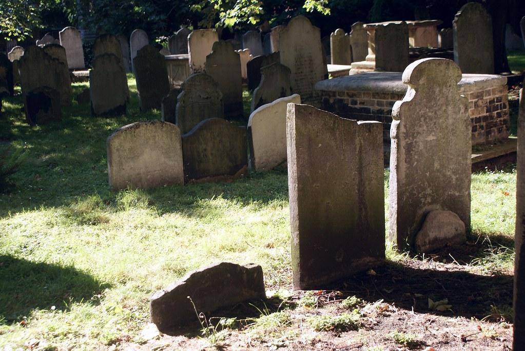 Tombes du cimetières Bunhill à Londres.