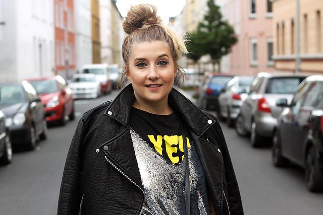 outfit-look-style-modeblog-fashionblog-pailettenkleid-über-shirt-zara-top-balenciaga-boots19