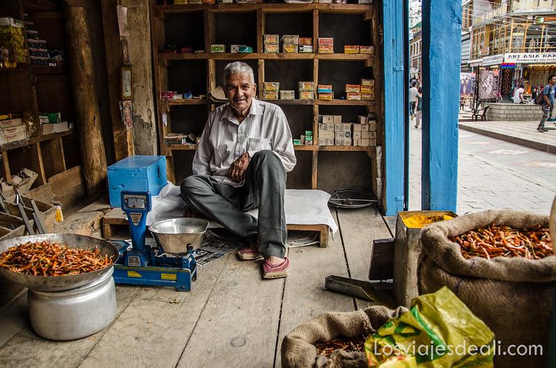 tienda tradicional de Leh