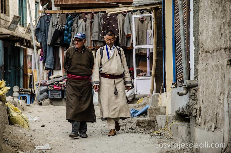 escenas del viejo mercado de Leh