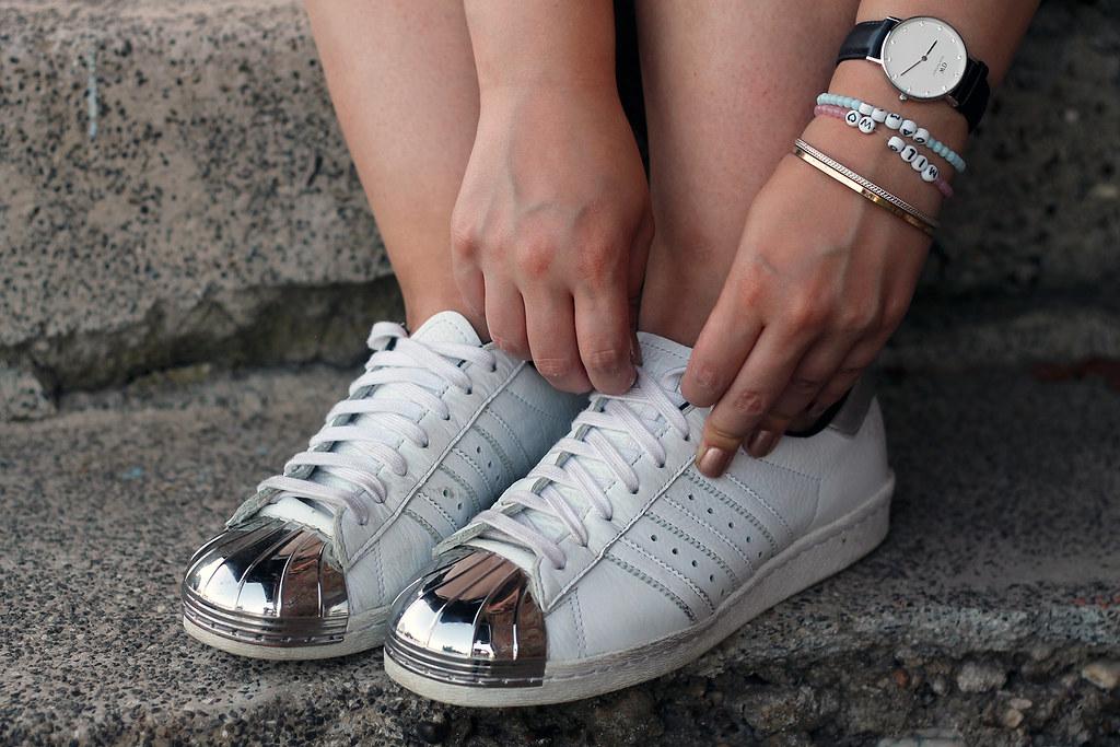 sneaker-schuhe-sommer-trend-outfit-modeblog-fashionblog-rosegold-adidas-metal-vans10