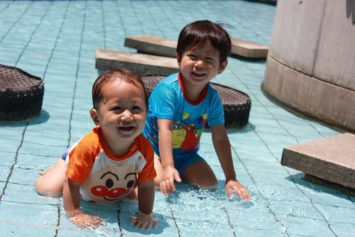 プール 子ども 日焼け止め 禁止