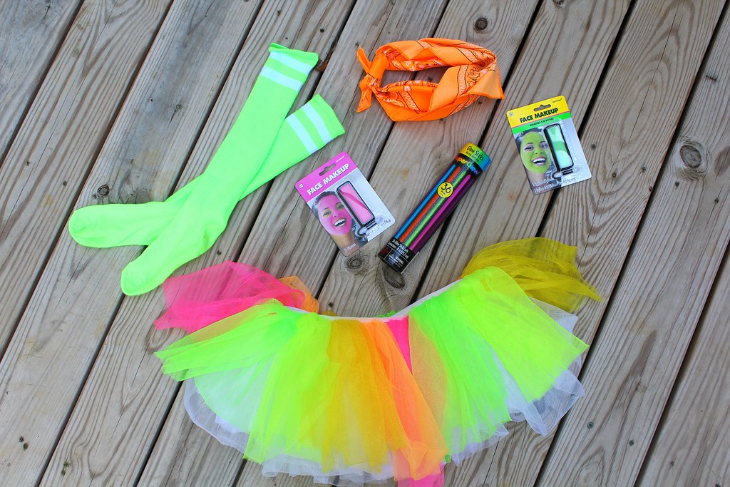 What to wear to a glow run