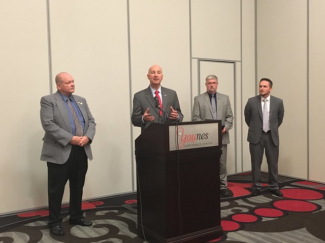 Gov. Ricketts, Crime Commission Unveil Expansion of Victim Notification Service - 10/5/2016