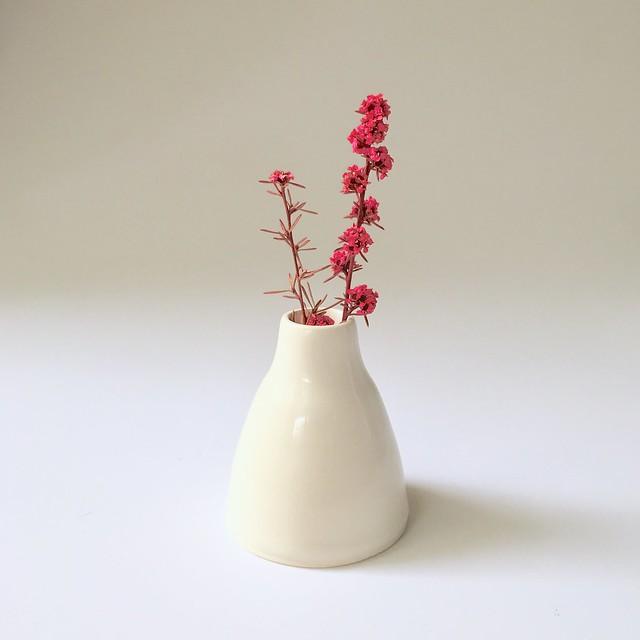 little vase B4