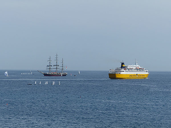 petits et grands bateaux à Nice
