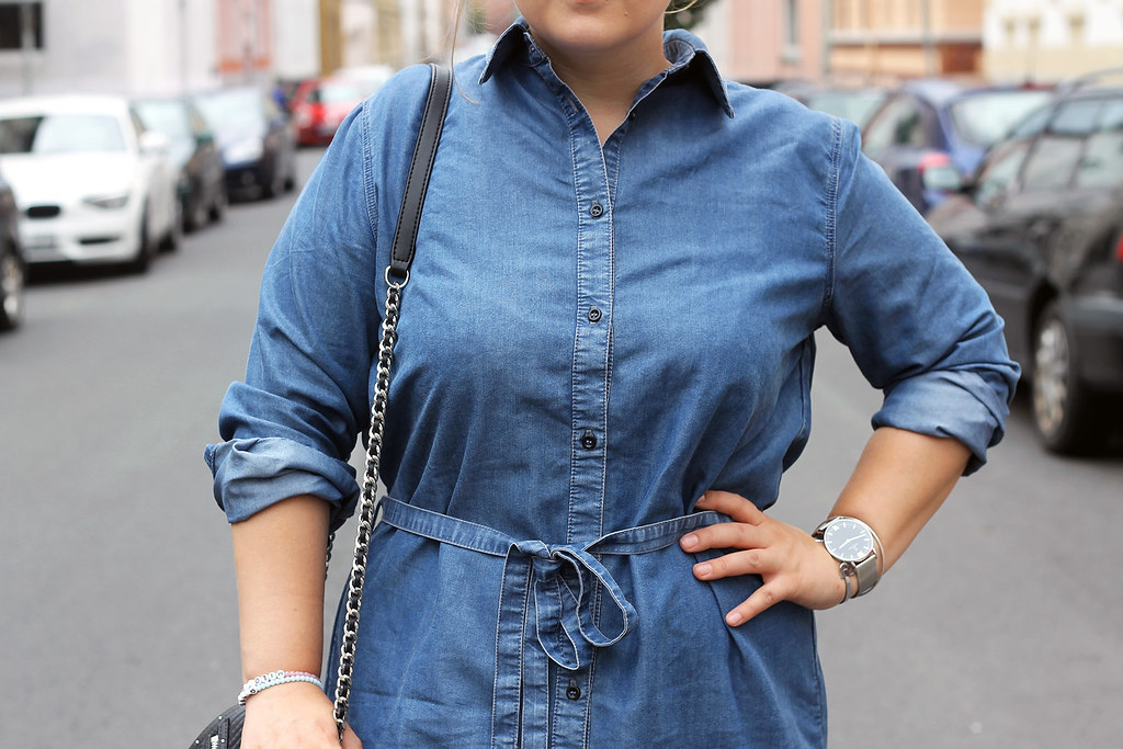 outfit-europapassage-jeanskleid-sommer-trend-look-modeblog-fashionblog-stiefeletten-chloe-lookalike17