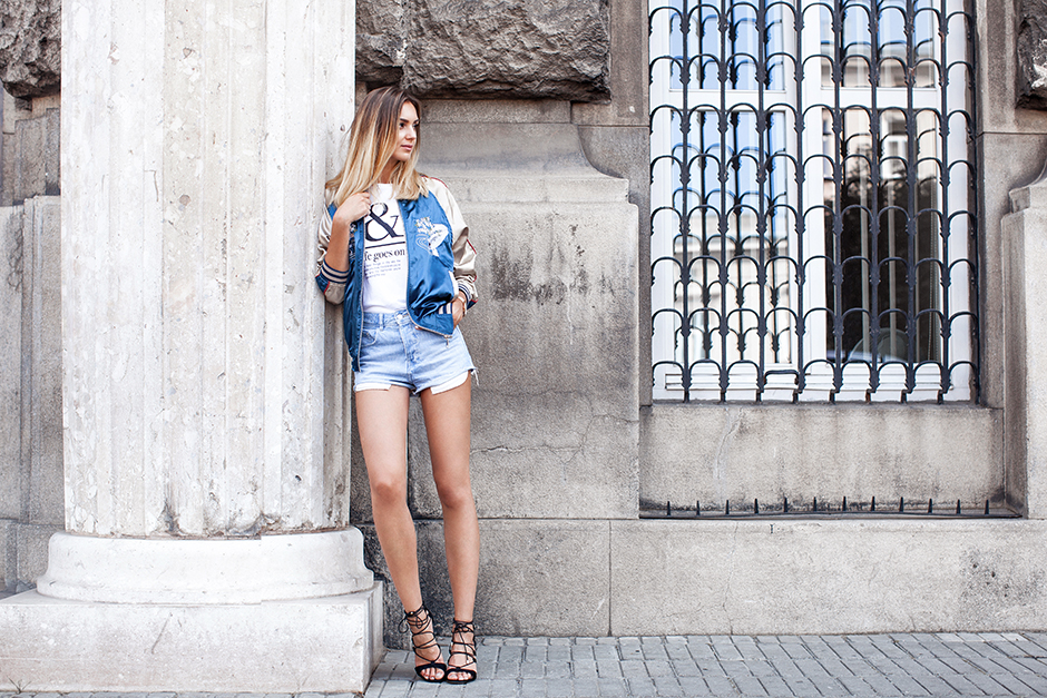 how-to-wear-embroiderd-satin-bomber-jacket-outfit-ideas