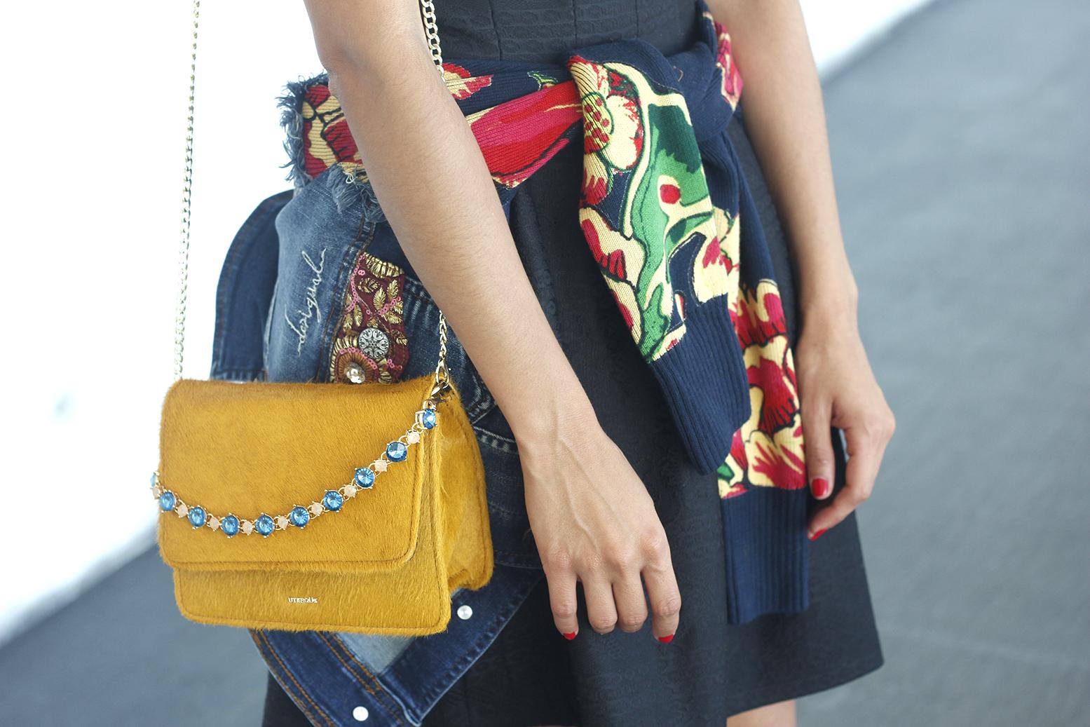 desigual black dress and denim jacket for fashion week madrid outfit fashion10