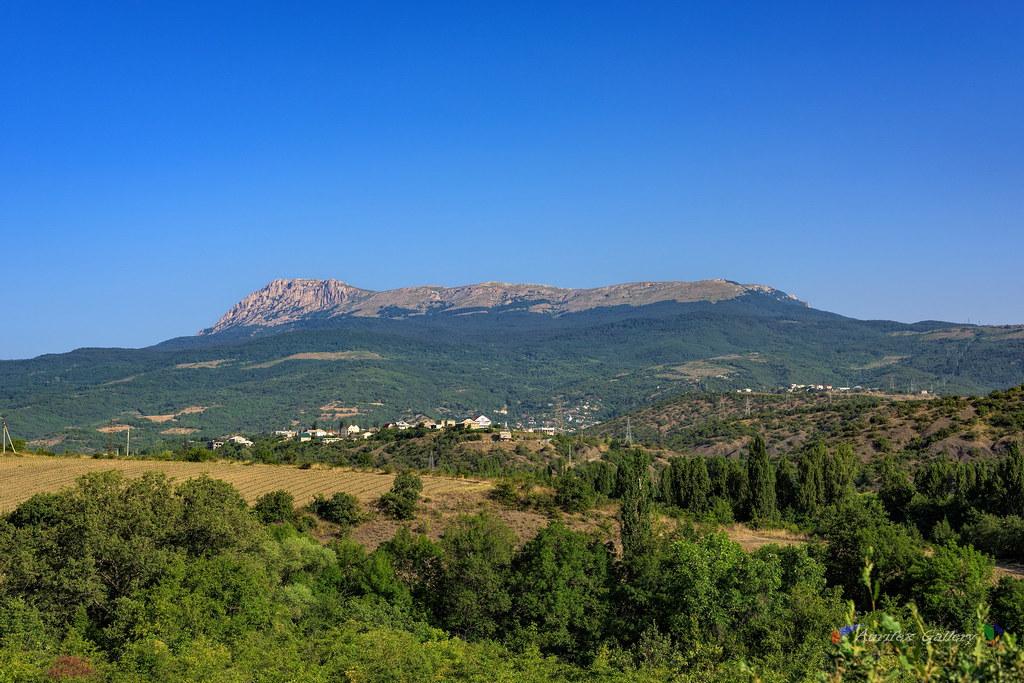 Crimean Views in July. Mountain Chatyr-Dag.