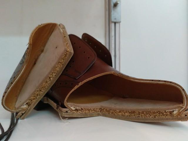 Sepatu Ekuator buatan Indonesia