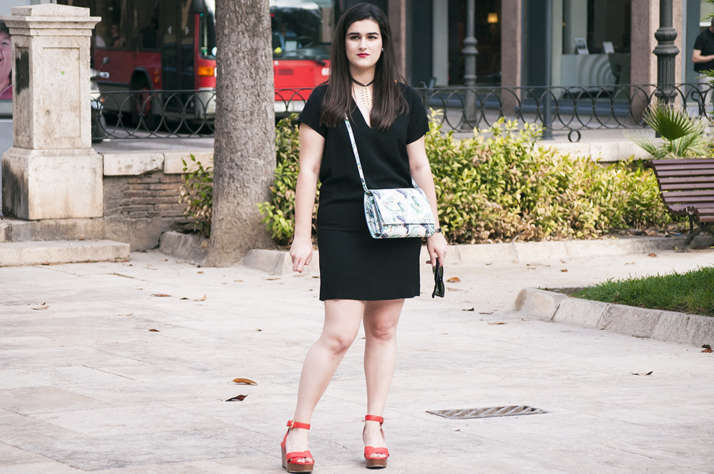 valencia spain fashion blogger, bimba y lola, somethingfashion little black dress influencer blog de moda española