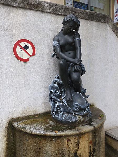 fontaine à Fréjus
