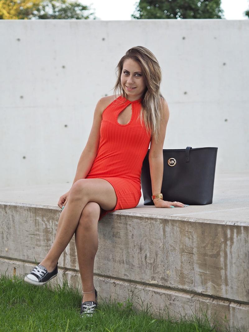 oranssi bikbok mekko