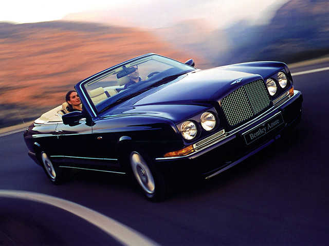 Четырехместный кабриолет Bentley Azure. 1995 – 2002 годы