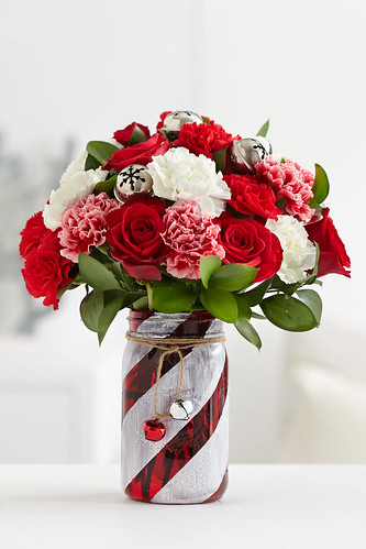 Finished Red And White Painted Glass Mason Jar Centerpiece Flickr