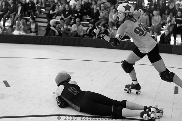 outlaws_vs_belles_L2011125 1