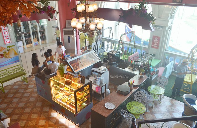 stregato gelateria bataan restaurants