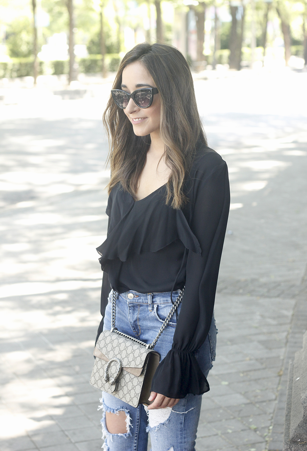 frilled shirt ripped jeans black heels gucci bag summer outfit sunnies17