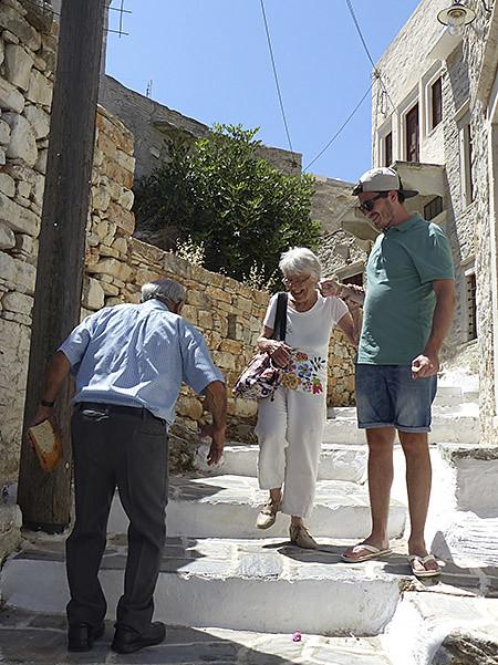 sirtaki dans les escaliers de Filoti