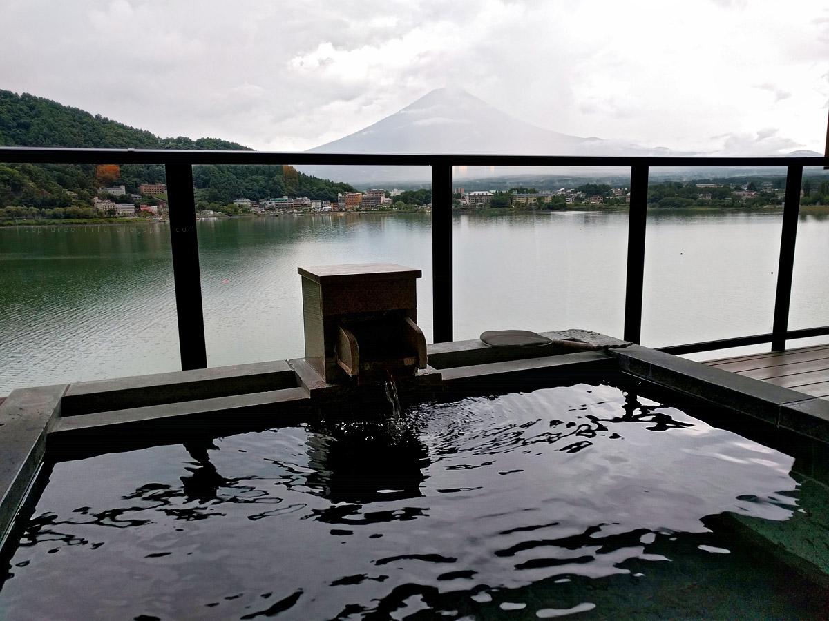 湖山亭うぶや看富士山