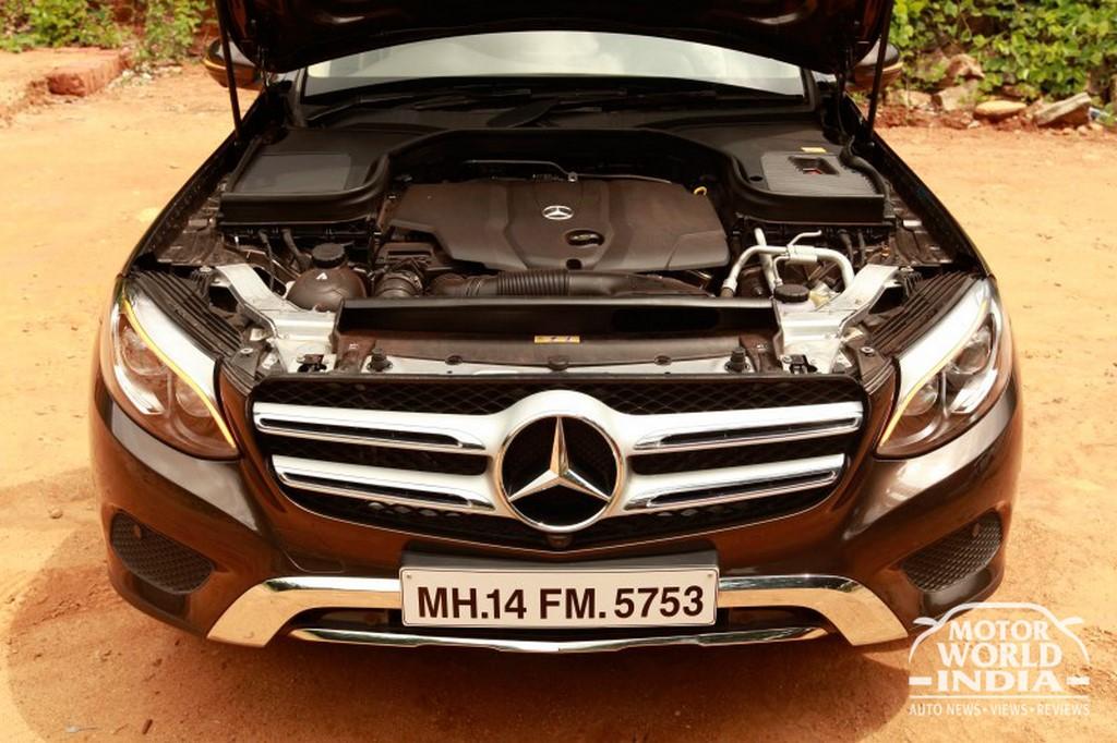 Mercedes-Benz-GLC-Engine-Bay (3)