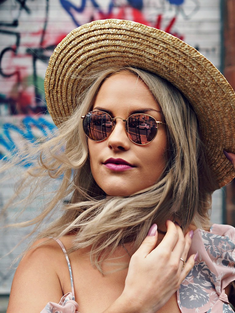 The Little Magpie Round Ray Bans
