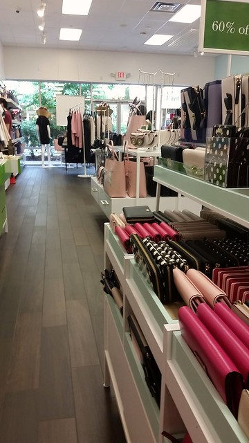 Kate Spade Outlet Interior