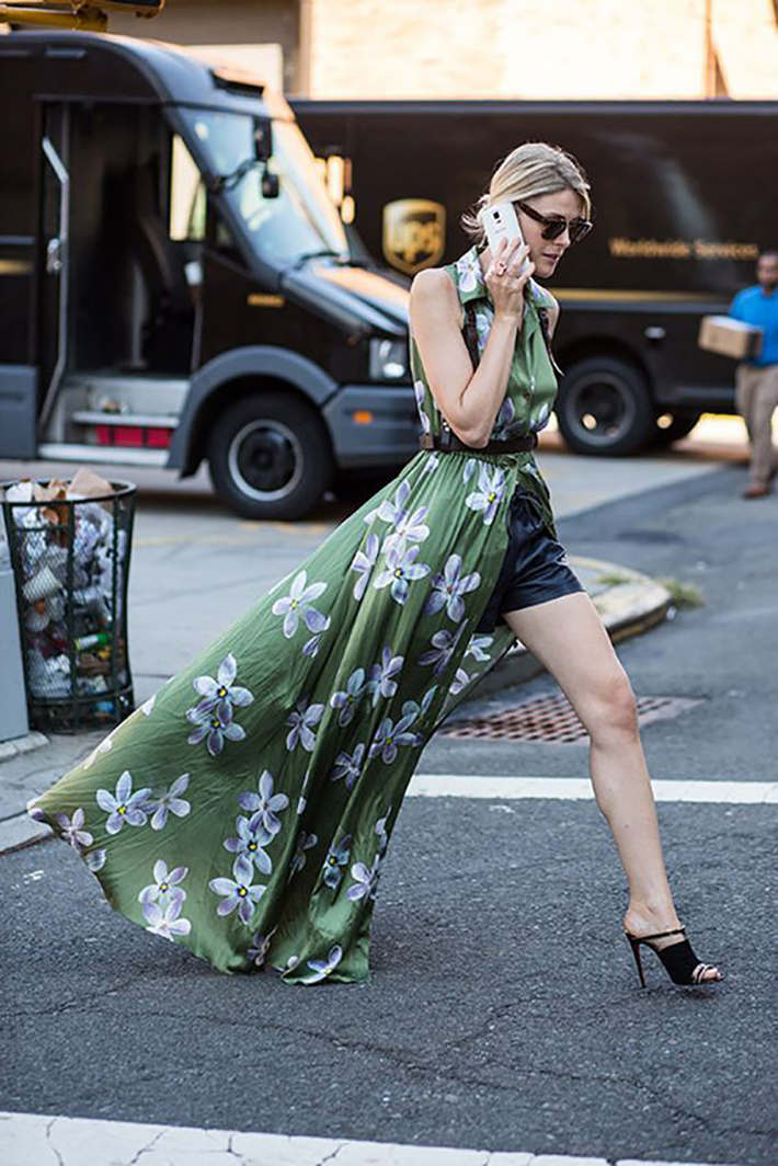 maxi dress with floral print inspiration street style fashion outfit summer autumn10