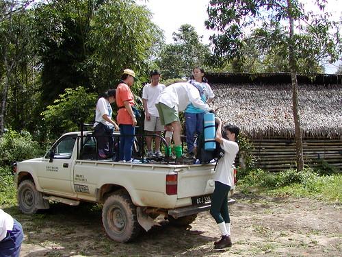 Img_JS_01 Unloading @ Orang Asli Hut