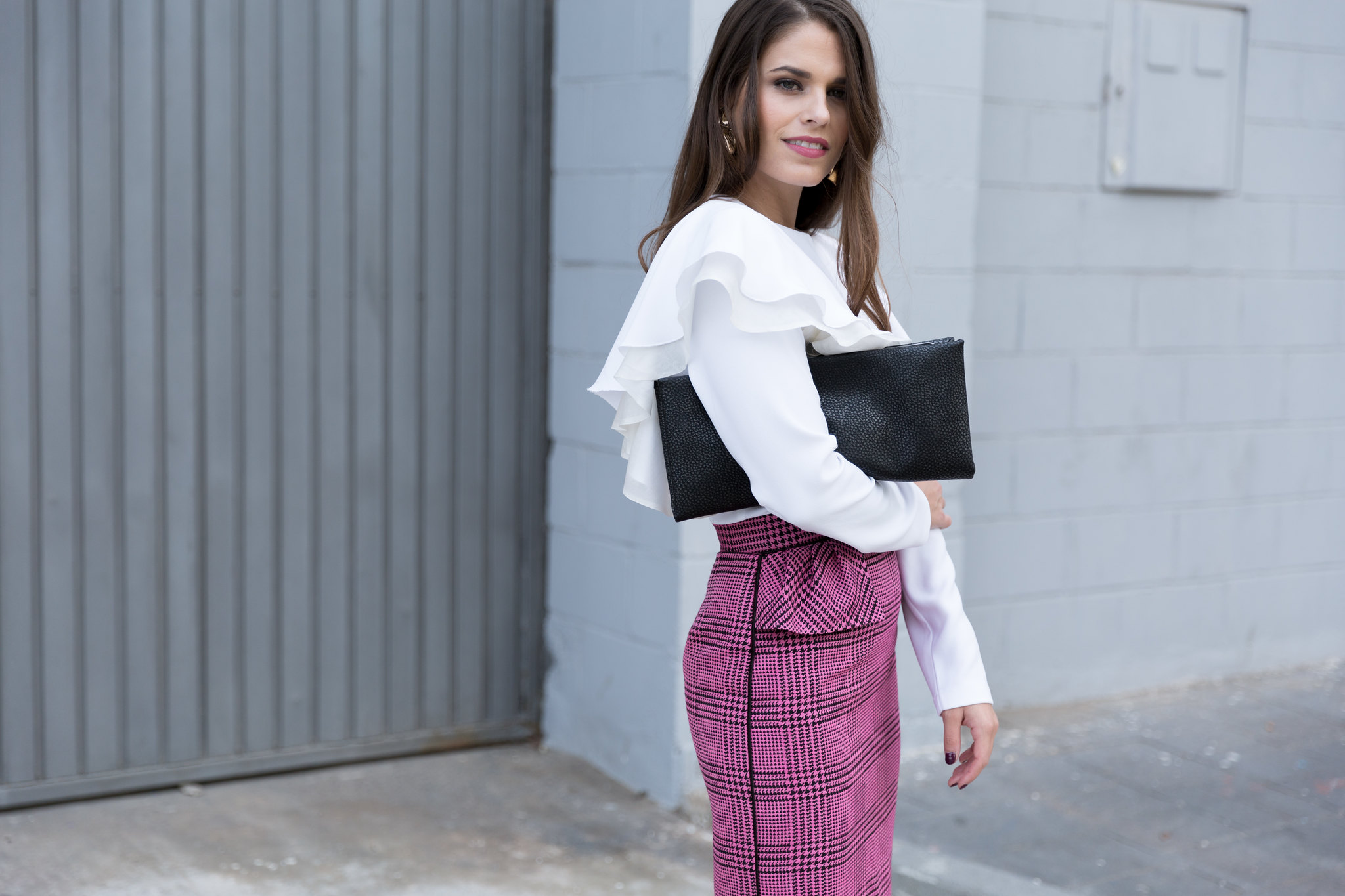Jessie Chanes Seams for a desire - pink black houndstooth skirt white top apparentia -9