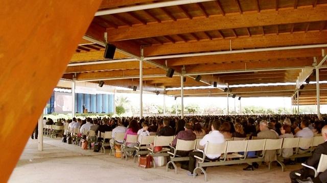 Noicattaro. Congresso Testimoni di Geova intero